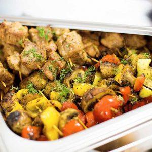 Шашлычки из свинины с овощами1