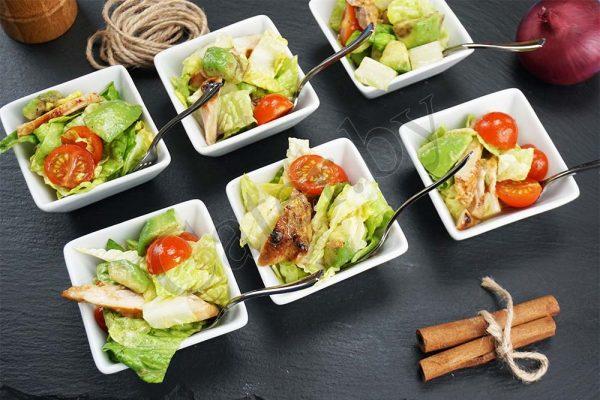 Салат с цыпленком и авокадо