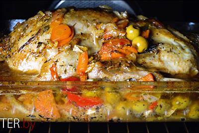 Утка с оливками и овощами
