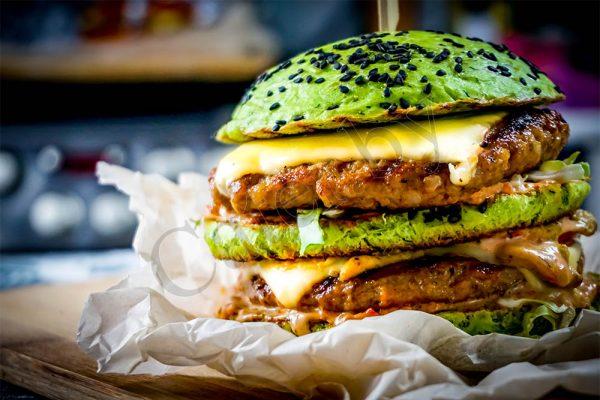 Бургер с говядиной и шпинатом